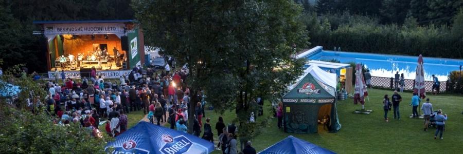 Víkend s koncertem kapely Druhá tráva (30.6.-2.7.)